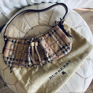 AUTHENTIC Burberry shoulder purse